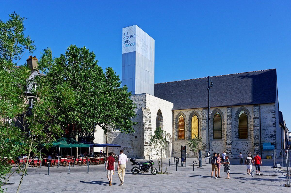 Rennes centre historique-Place Saint Anne