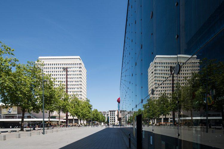Reflet sur l'immeuble le 4 Bis cours des Alliés