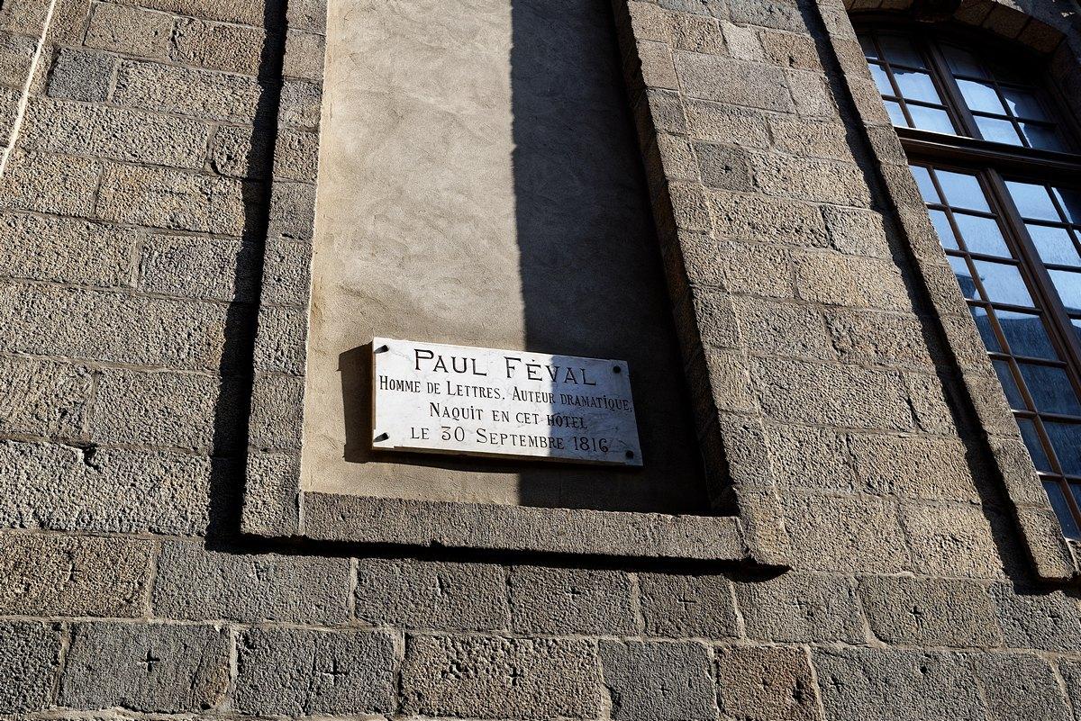 Plaque commémorative Paul Féval rue du Chapitre à Rennes.